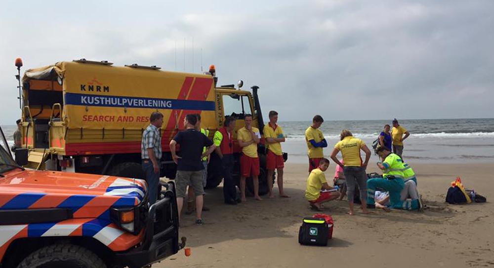 Onwel wording op strand tussen Heemskerk en Castricum
