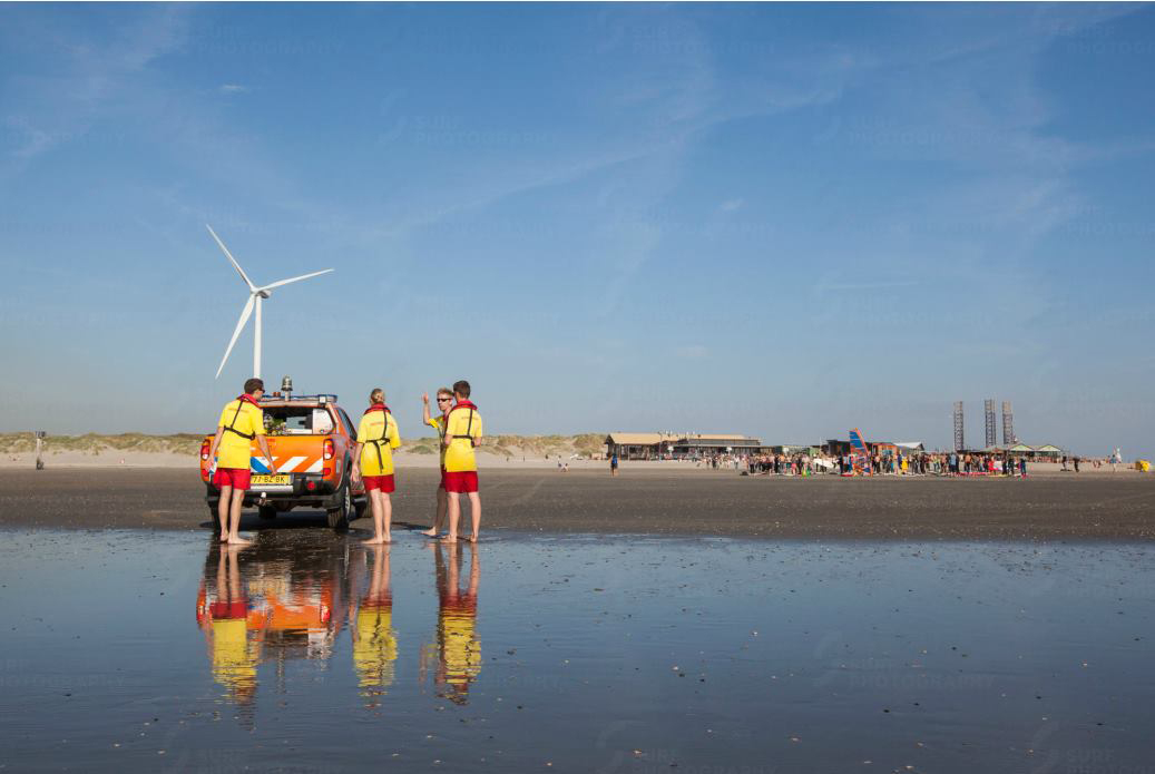 paddle-out-reddingsbrigade-wijk-aan-zee-peter-volwater-strand